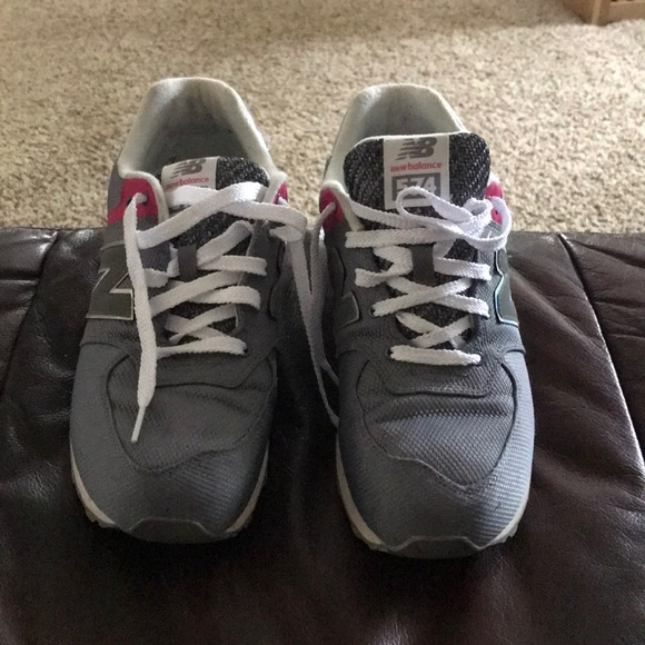new arrival 805d9 380c4 New balance 574 grey pink & silver fits women 9
